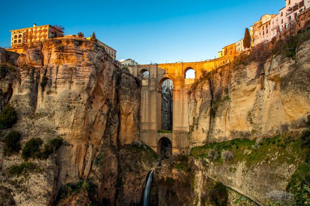 куда купить путевку в Испанию