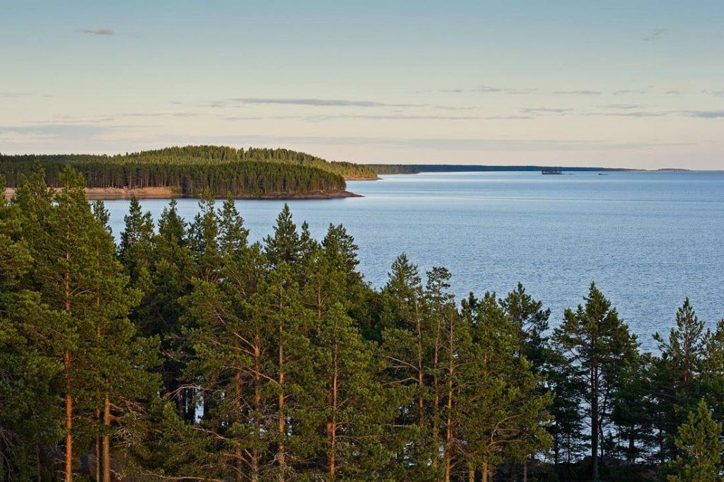 Онежское озеро - самое популярное