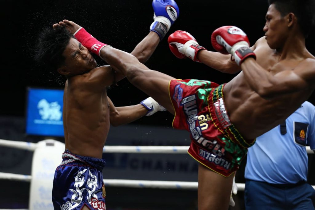 посмотреть тайский бокс на Пхукете