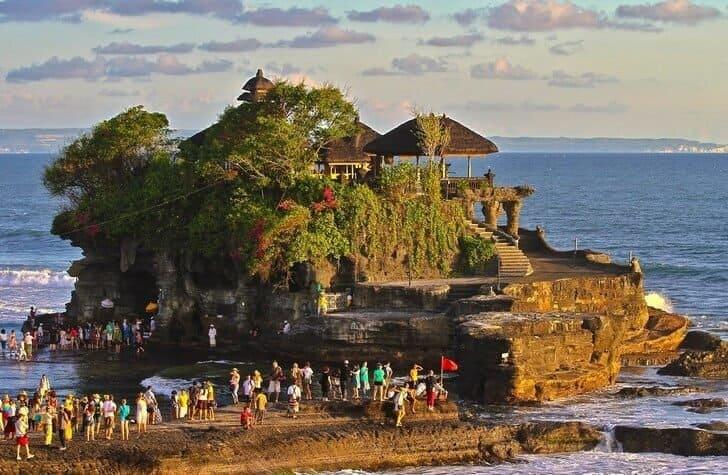 сколько храмов на Бали