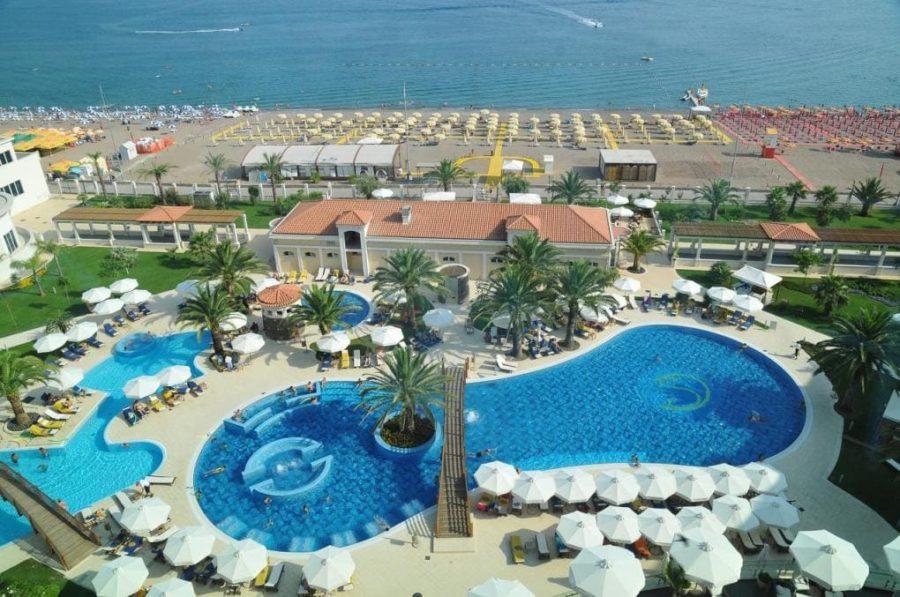 отели Черногории для отдыха с детьми предлагают