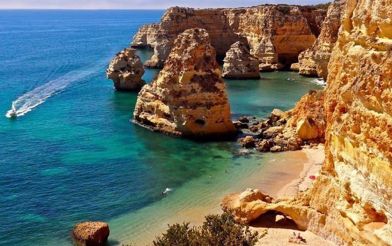 самые красивые пляжи Азорских островов в Португалии
