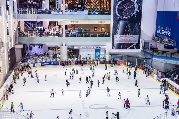 каток в развлекательном центре Дубай Молл