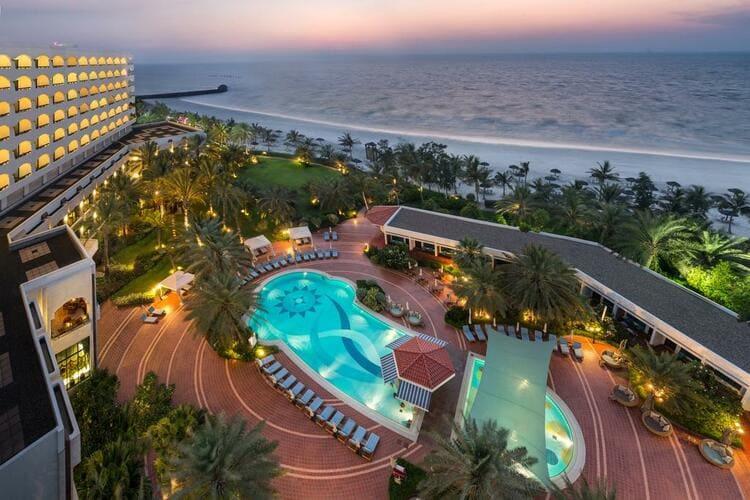 лучший пляжный отдых в ОАЭ