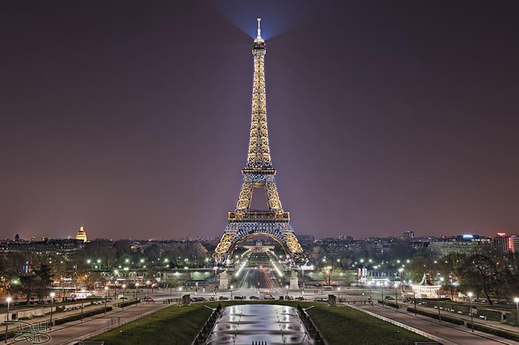 Эфелева башня в Париже - достопримечательности