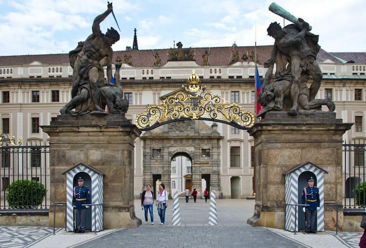 Посетить Королевский дворец в Праге